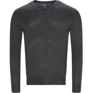 Merino Wool V-neck Sweater Regular   Merino Wool V-neck Sweater   Grå