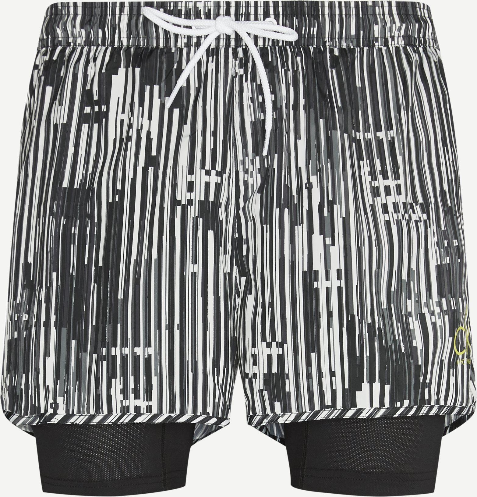 Shorts - Regular - Black