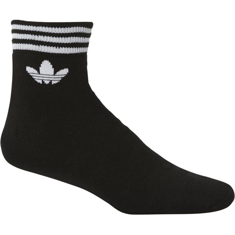 Adidas originals az5523 sort fra adidas originals på quint.dk