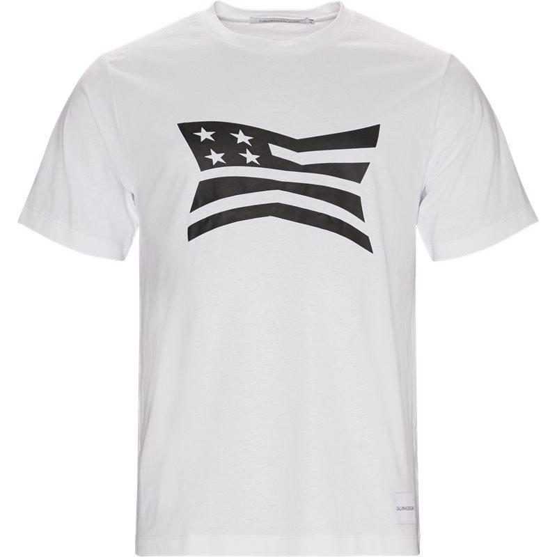 calvin klein jeans – Calvin klein jeans regular fit 9579 modernist flag t-shirts white på axel.dk