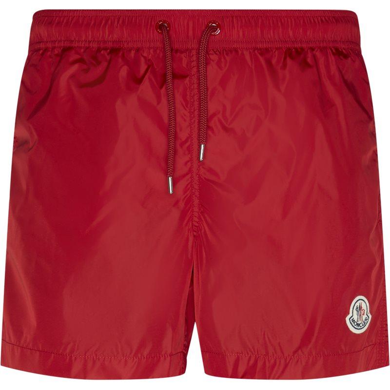 Billede af Moncler Regular fit 00761 53326 Shorts Rød