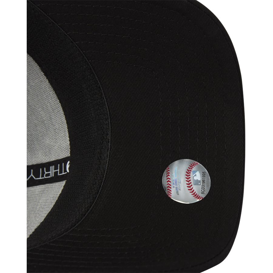 LEAGUE ESSENTIAL 3930 NY - 3930 Cap - Caps - SORT/ARMY - 8