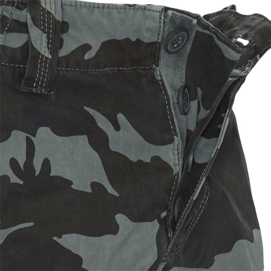M71011NT - M71011NT Cargo Shorts - Shorts - Regular - CAMO - 4