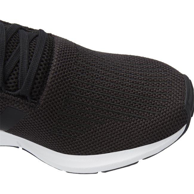 Swift Run Sneakers