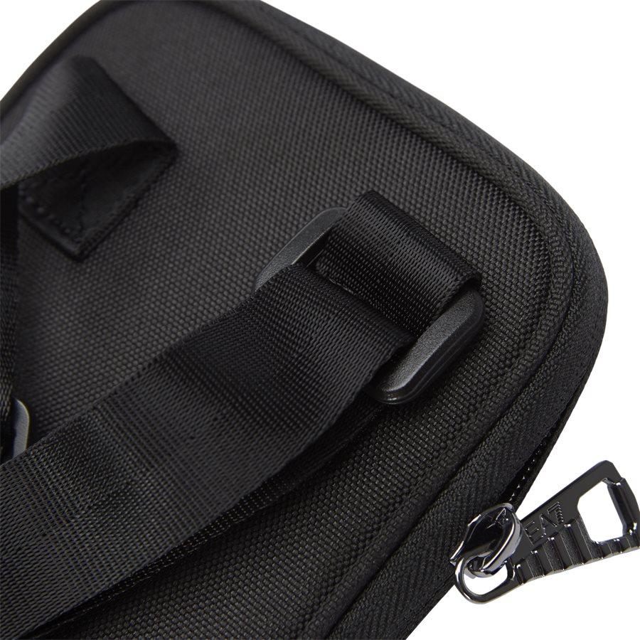 CC803-275872 - Train Mini Pough U Handbag - Tasker - SORT - 3