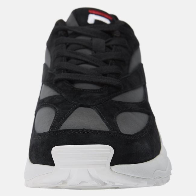 V94M R Low Sneakers