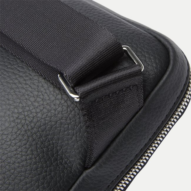 S Flat Crossover Bag