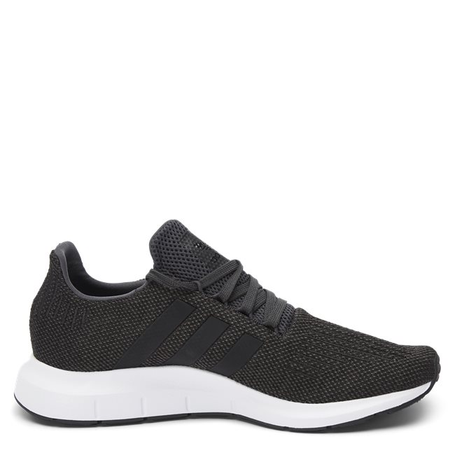 Swift Run Sneaker