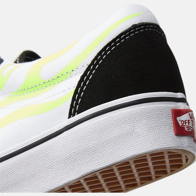 Old Skool Flame Sneaker