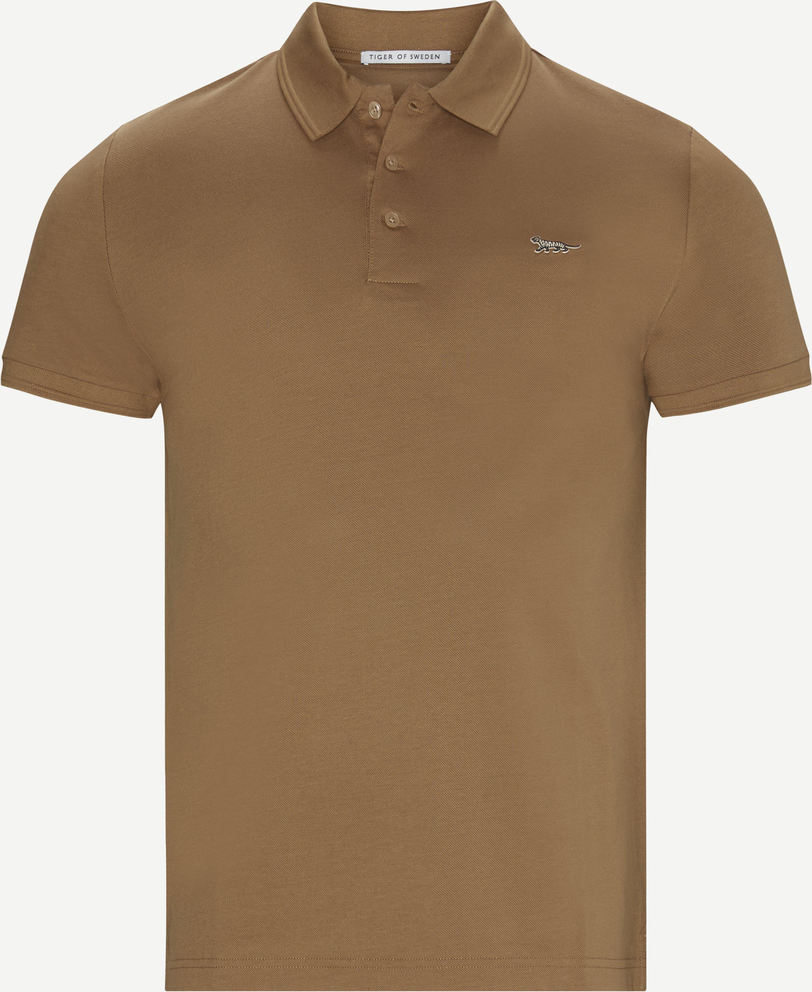 T-Shirts - Slim fit - Braun