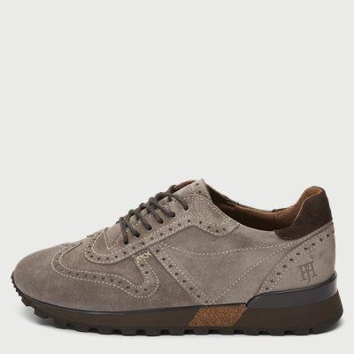 Suede Brogue Jogger Sneaker Suede Brogue Jogger Sneaker | Grå