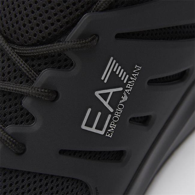X8X052 Sneaker