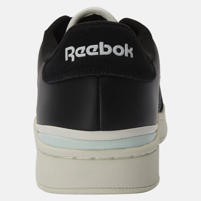 Ad Court Sneaker
