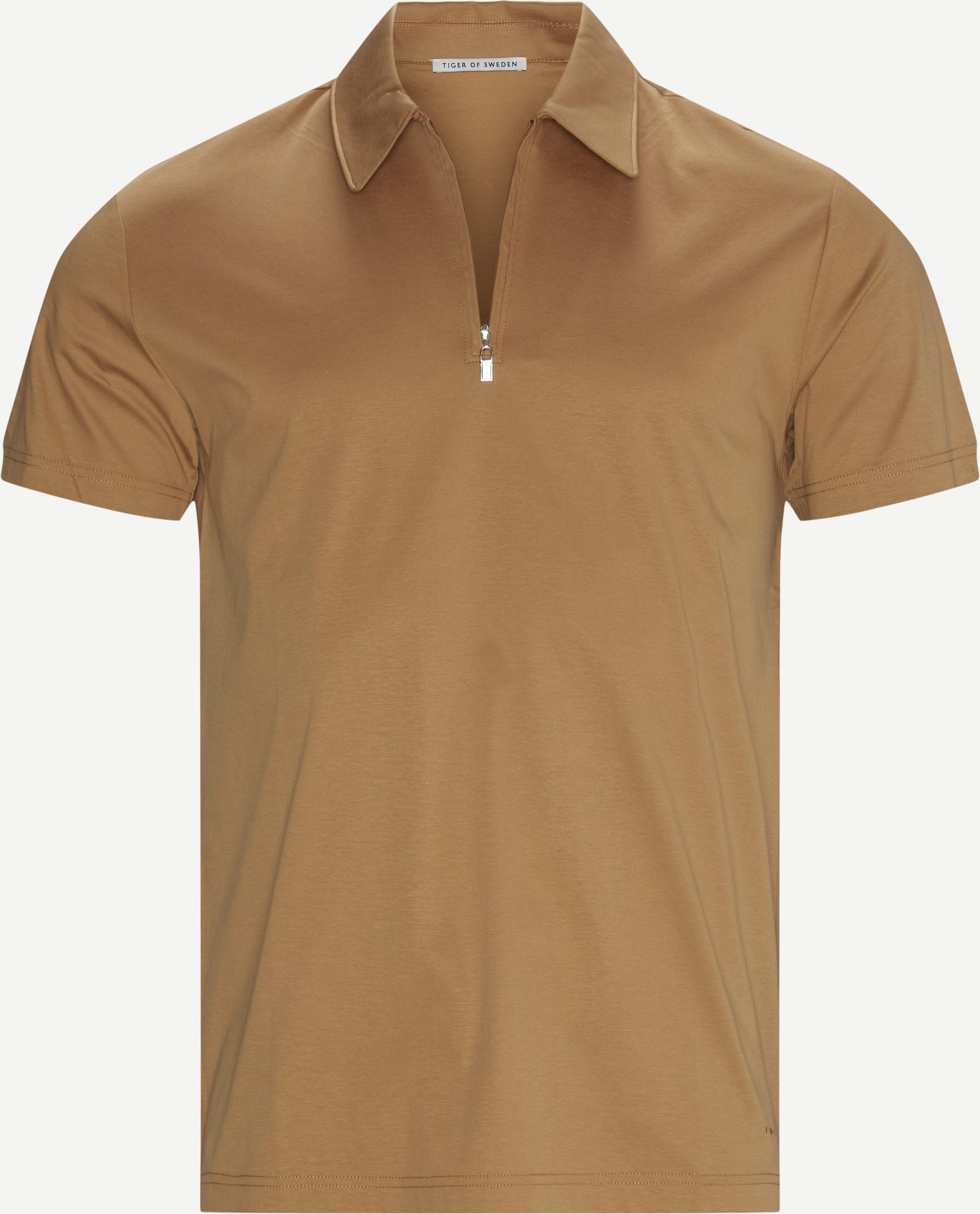T-Shirts - Braun