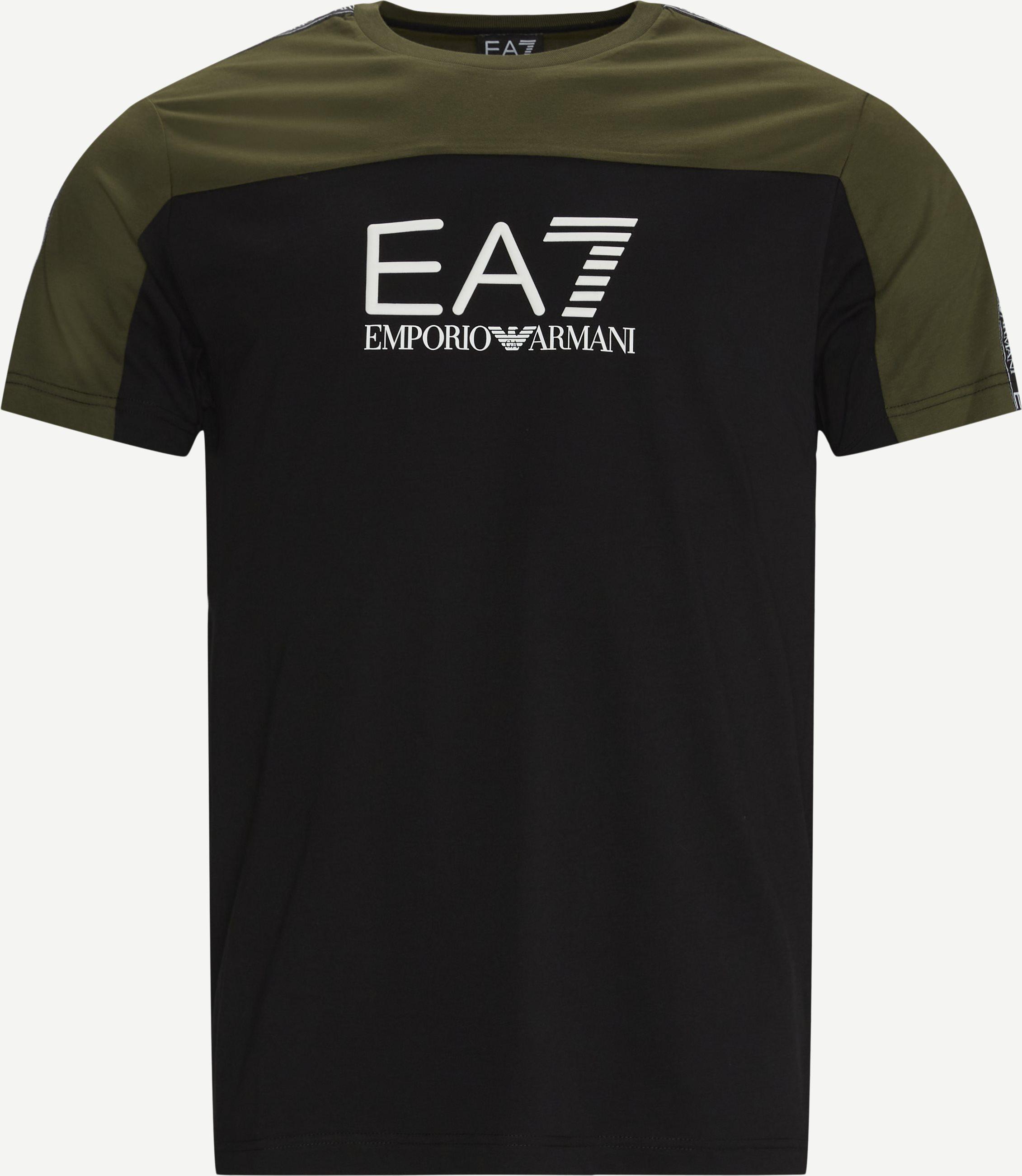 T-Shirts - Regular fit - Oliv