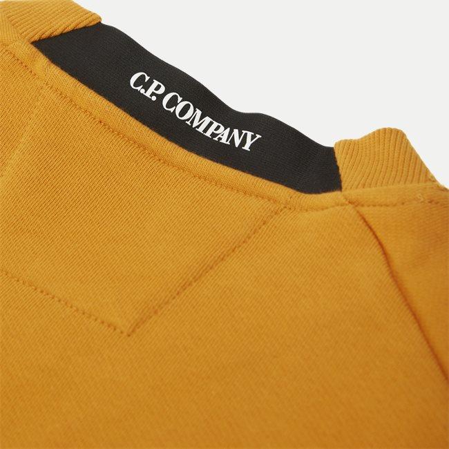 Crew Neck Diagonal Raised Sweatshirt